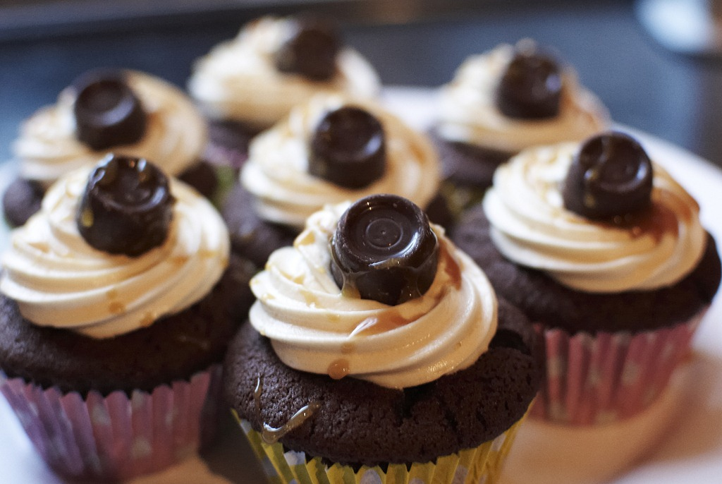 Rolo Cupcakes – Queen of Everything
