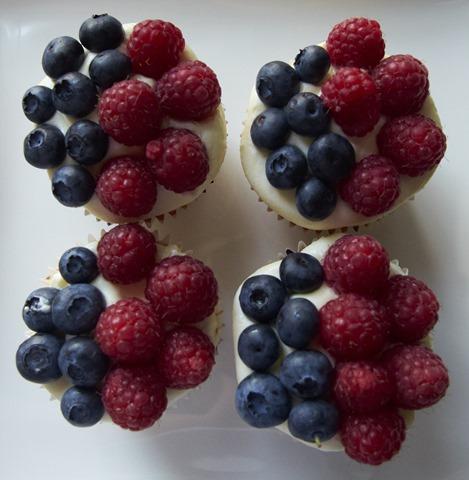 Berry Cupcakes_356