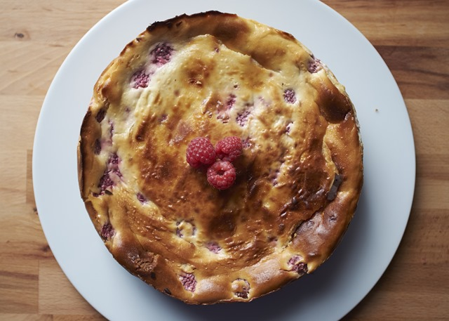 White Chocolate & Raspberry Baked Cheesecake